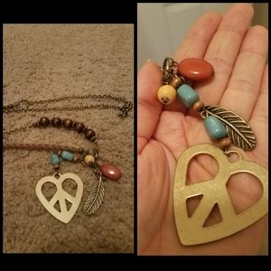 Jewelry - Heart peace sign necklace